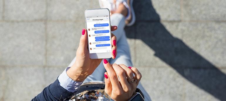 Die jüngeren User fliegen auf Chatbots – die Älteren weniger